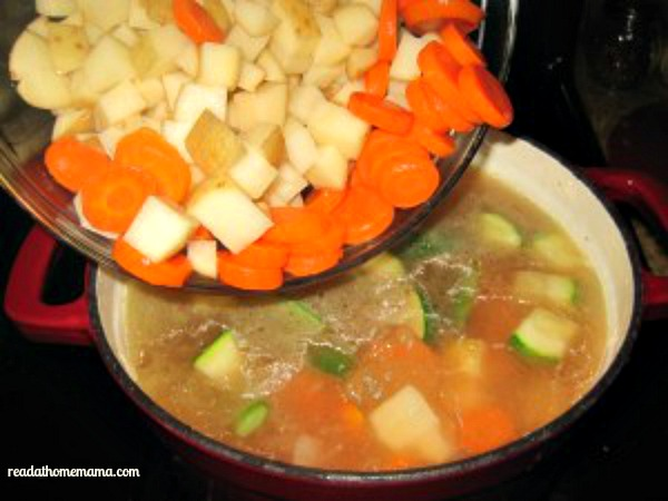 Potatoes-and-Carrots-Minestrone